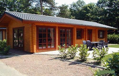 Case di legno prezzi chalet e case di legno abitabili for Bungalow in legno abitabili prezzi