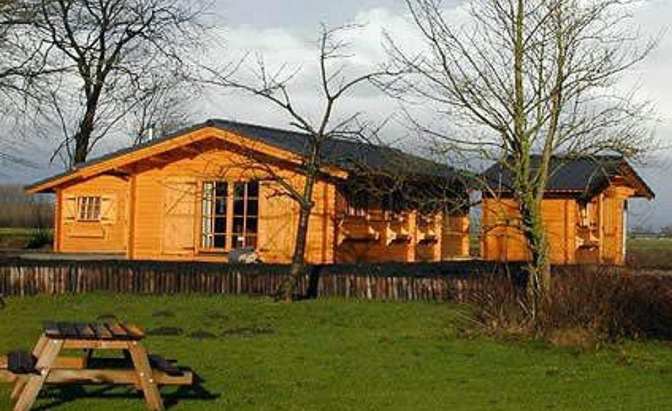 Case in legno kit di montaggio for Bungalow in legno abitabili prezzi